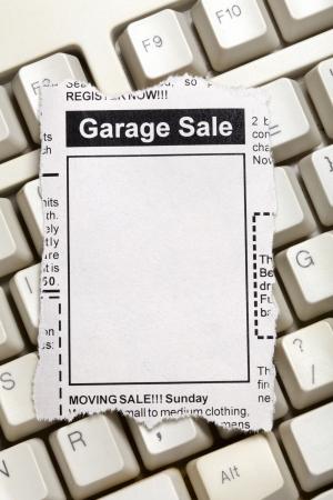 가짜 분류 광고, 신문, 차고 판매 개념. 스톡 콘텐츠