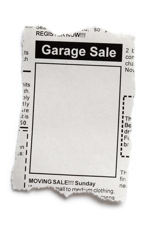 가짜 분류 광고, 신문, 주차장 판매 개념.