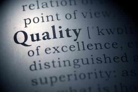 control de calidad: Definición del diccionario de la palabra Calidad Diccionario Fake Foto de archivo