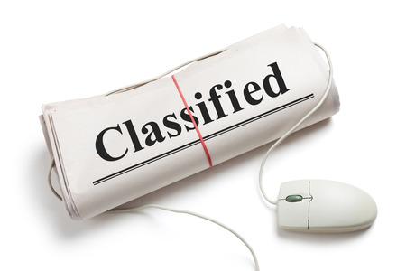 분류, 컴퓨터 마우스와 흰색 배경 신문 롤