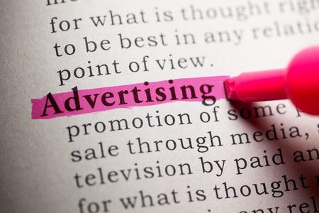 definicion: Diccionario Fake, la definición de la palabra publicidad