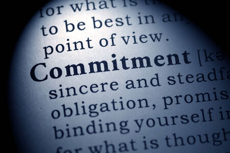 Fake Dictionary, Dictionary definition of the word commitment Imagens - 28207818