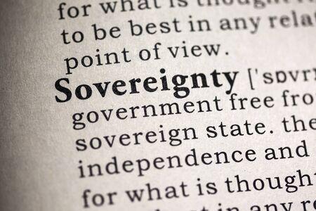 definicion: Diccionario Fake, Definici�n del diccionario de la palabra soberan�a. Foto de archivo