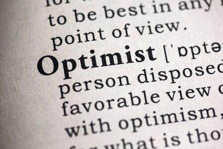 definicion: Diccionario Fake, Definici�n del diccionario de la palabra optimista.