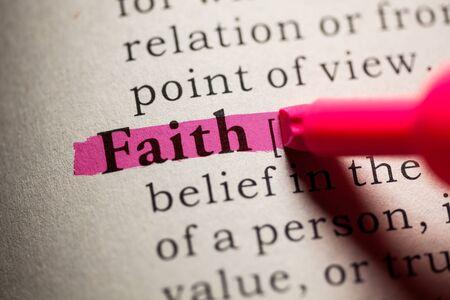definicion: Falso diccionario, definici�n de la palabra fe.