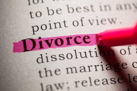 definicion: Falso diccionario, definici�n de la palabra divorcio. Foto de archivo