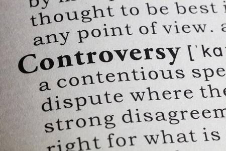 definición: Definición del diccionario de la palabra controversia.