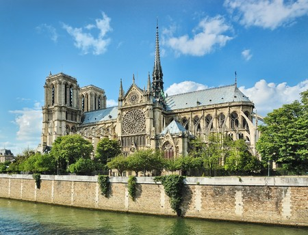 cathedrals: Notre-Dame (Paris) along the Seine river Stock Photo