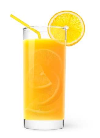 jus orange glazen: Glass of orange juice with peaces of orange inside