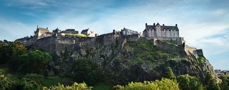エジンバラ城広いパノラマ ショット、スコットランド、英国