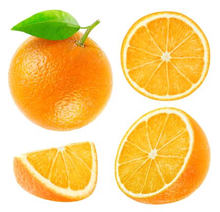 naranja fruta: Colecci�n de enteros y cortados naranjas aislados en wihte con trazado de recorte Foto de archivo