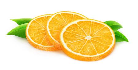 fruit orange: Tres rebanadas de fruta de naranja aislados en blanco con trazado de recorte