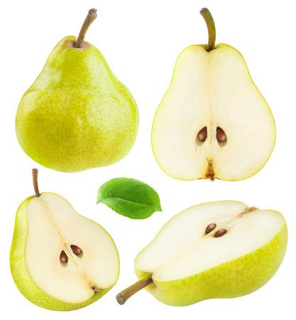 segmento: peras aislados. Colección de enteros y en rodajas amarillo pera frutos verdes aisladas sobre fondo blanco