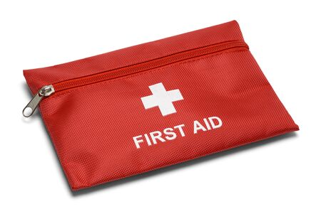 Red First Aid Kit Bag isolé sur fond blanc. Banque d'images - 66211777