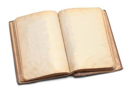 흰 배경에 고립 된 복사본 공간 열기 착용 된 책.