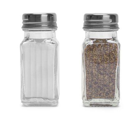 塩し、コショウのシェーカーは、白い背景で隔離。