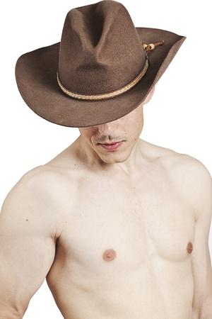 przystojny mężczyzna w brązowym kapelusz