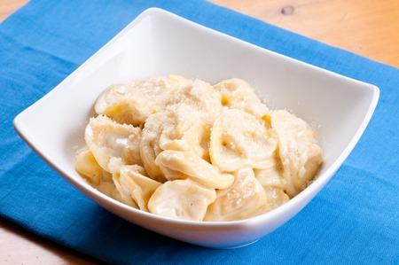 alfredo: hand made tortellini pasta with parmesan and alfredo sauce Stock Photo