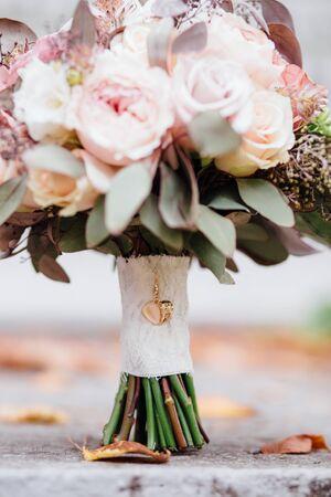 Bel matrimonio bouquet da sposa. Archivio Fotografico - 69893404