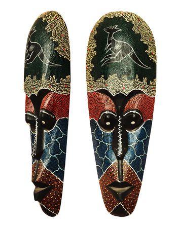 idool: Houten masker van aboriginal idool. Inheemse houtbewerking uit Australië. Geïsoleerd op wit
