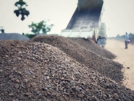 Piedra utilizada para la construcción de pozos de tamaños mixtos.