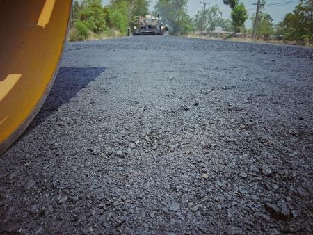 Construction de routes asphaltées en Thaïlande, images floues