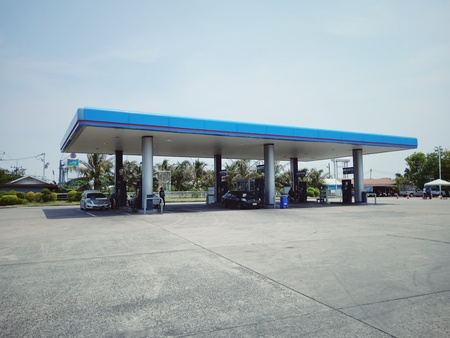 Surin, Thailand-May 3, 2019 : PTT Gas Station Which is the most famous oil company in Thailand 新聞圖片