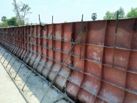 Encofrado de hormigón de rieles de puentes Foto de archivo