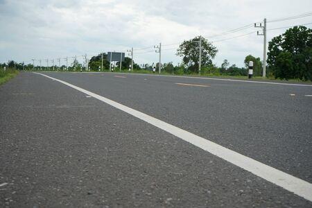 Asphaltic concrete road in Thailand Banque d'images - 132015717