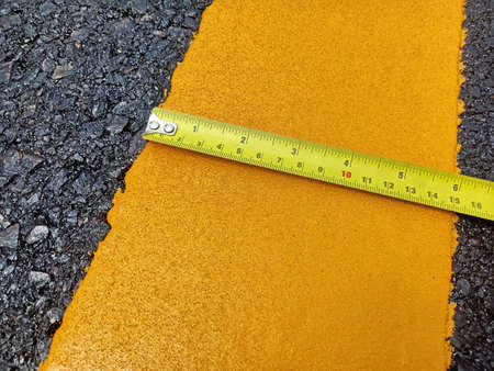Check the yellow traffic line width in thailand