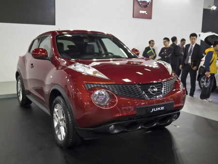 TAIPEI,TAIWAN -December 21 : new car of nissan juke in 2013 New Car Exhibition in Taipei world trade center on December 21,2012 in Taipei,Taiwan Stock Photo - 17051423