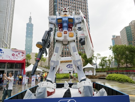Taipei, Taiwan - 11 OCTOBER 2017. The legend of Gundam RX-78-2. The scale 1:3 size model of Gundam robot in Taipei, Taiwan. 新聞圖片