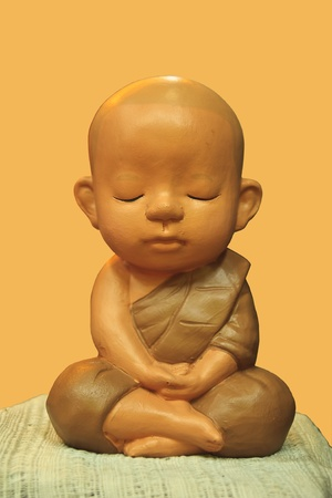 buddhist meditation: buddha in thailand