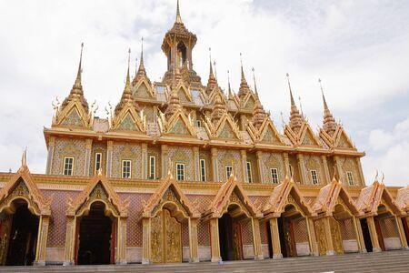 stu: Golden Temple Wat Tha Sung Uthai Thani, Thailand.