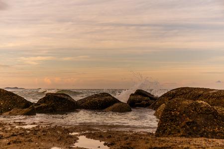 atmosphere: atmosfera al sorgere del sole sulla spiaggia Archivio Fotografico