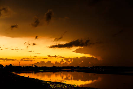 an atmosphere: Atmosphere at sunrise on the beach Foto de archivo