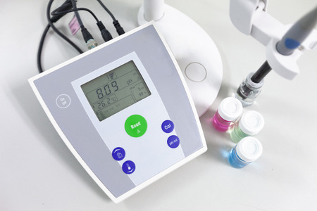 pH meter to measure the acidity-alkalinity of liquids