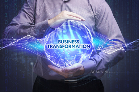 Business, Technologie, Internet und Netzwerk-Konzept. Junger Geschäftsmann zeigt das Wort: Business Transformation Lizenzfreie Bilder