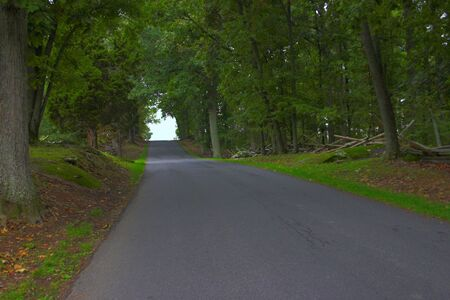gettysburg battlefield: Fence lined road found in Gettysburg on the battlefield Stock Photo