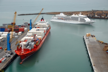 Silver Shadow arrives at Port Of Napier, Hawke