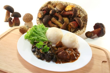 goulash: Venison goulash with dumplings and fresh wild mushrooms