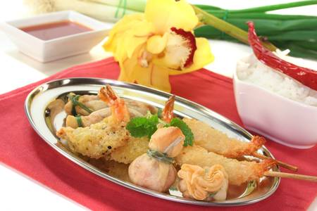 filo pastry: Thai prawns specialties wrapped in filo pastry with surimi, shrimp and vegetables