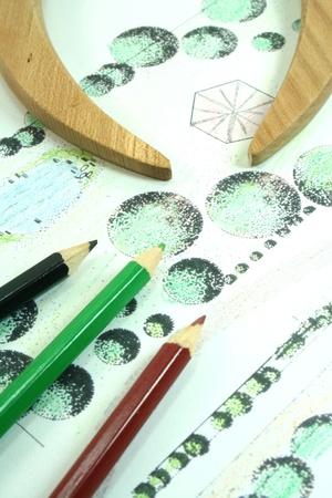 Gartenbau Skizze mit Buntstiften und Kompass Standard-Bild
