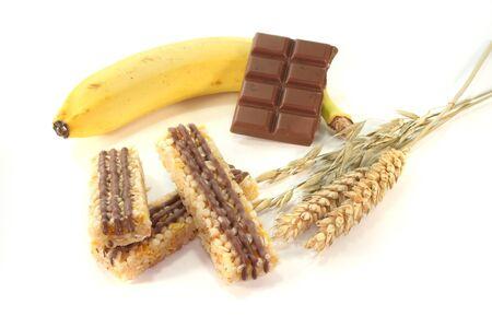barre de c�r�ales: Barre de c�r�ales banane au chocolat avec chocolat et c�r�ales