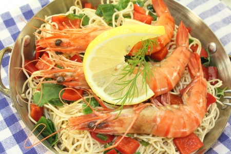 mie noodles: Prawns with Mie noodles, lemon, dill and coriander