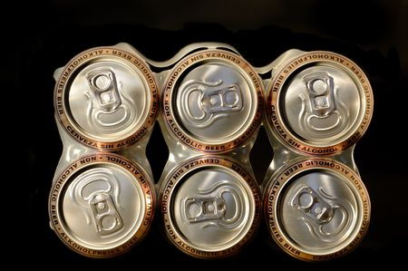 non alcoholic beer: pack non alcoholic beer cans