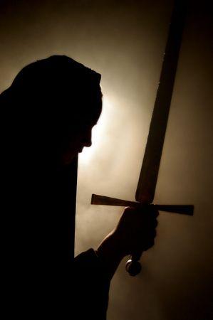 holy  symbol: Arabia aparici�n mujer con una espada en la mano.