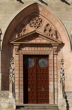 cara leon: Puerta Principal en la cara oeste de la Catedral de Burgos, Burgos, Castilla y Le�n. Espa�a Foto de archivo