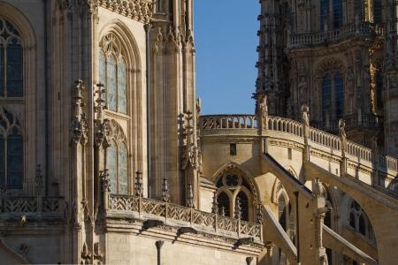 cara leon: Detalle de arcos g�ticos, ventanas y contrafuertes de la cara norte de la Catedral de Burgos, Burgos, Castilla y Le�n. Espa�a