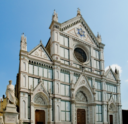 neogothic: The neo-gothic facade of Basilica di Santa Croce and Dante Alighieri memorial statue  Florence, Italy Stock Photo
